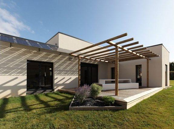 exterieur-vue-terrasse-pavillon-temoin-olonne-maisons-privat-e1482853191926