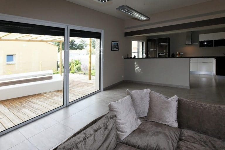 salon-1-pavillon-temoin-olonne-maisons-privat-e1482853221208-768x561